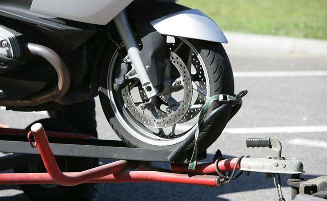 remorquer une moto en panne